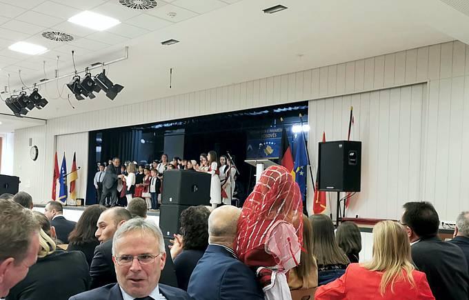 Fest zur Unabhängigkeitserklärung des Kosovo sowie der Städtepartnerschaft Velbert-Podujeva